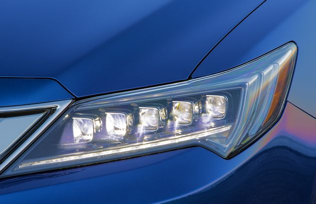 2016 Acura ILX headlight