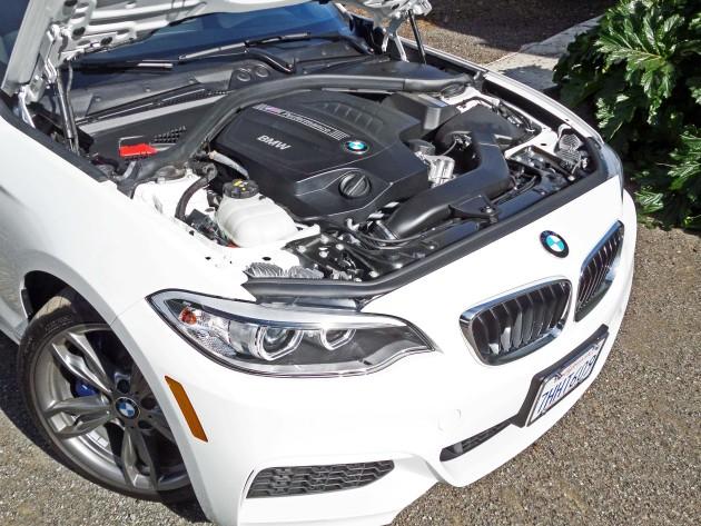 BMW M235i Eng