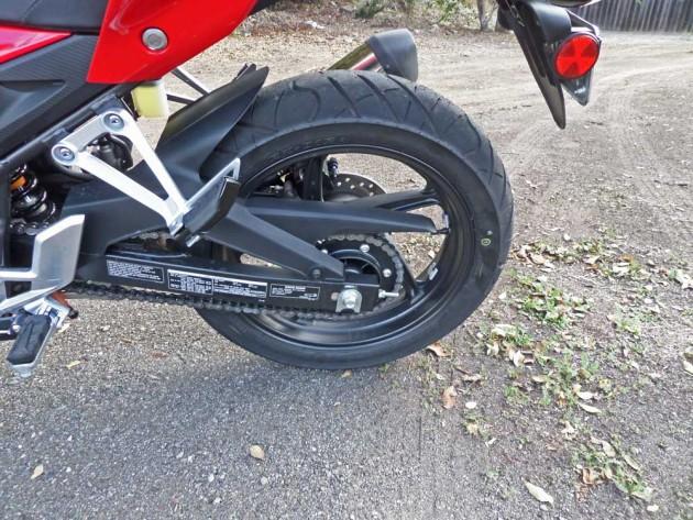Honda-CB300F-RWhl
