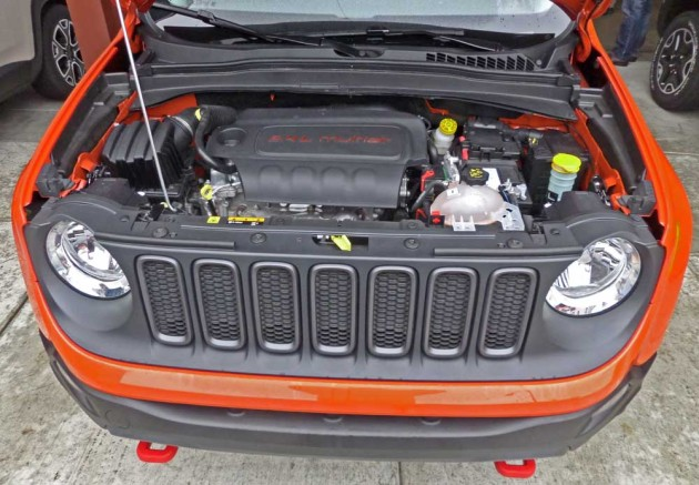Jeep-Renegade-Trailhawk-Eng