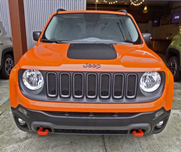Jeep-Renegade-Trailhawk-Nose
