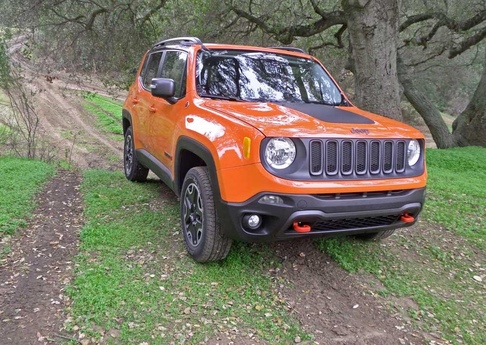 2015 jeep renegade trailhawk test drive our auto expert. Black Bedroom Furniture Sets. Home Design Ideas
