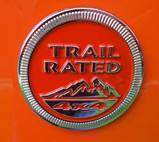 Jeep-Renegade-Trailhawk-TR-logo