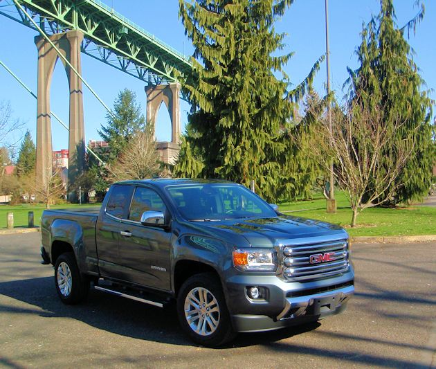 2015 GMC Canyon front q