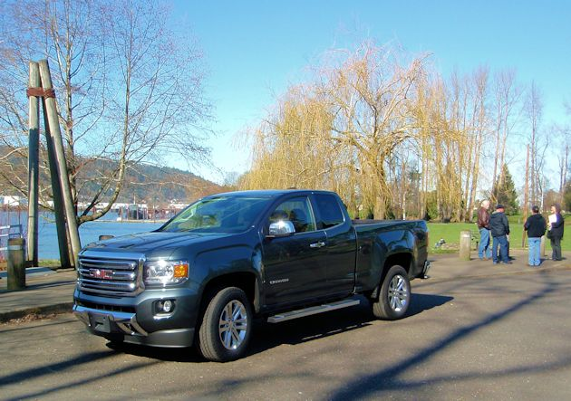 2015 GMC Canyon front q2