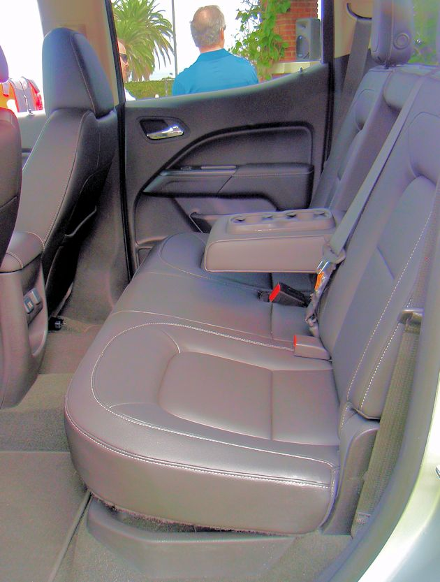 2015 GMC Canyon rear seat