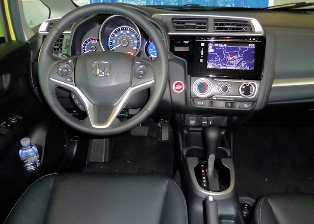 2015 Honda Fit dash