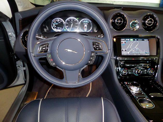2015 Jaguar XJL dash
