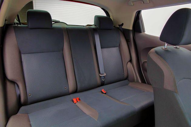 2015 Nissan Juke rear seat