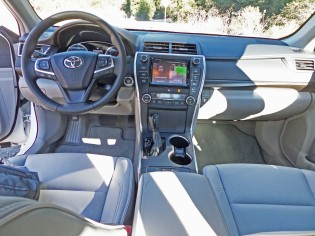 Toyota Camry XLE Dsh