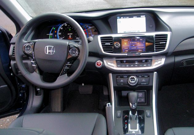 2015 Honda Accord Hybrid dash