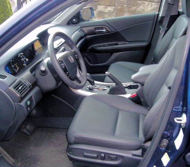2015 Honda Accord Hybrid interior