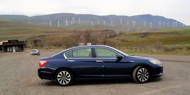 2015 Honda Accord Hybrid side