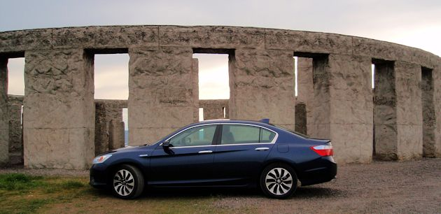 2015 Honda Accord Hybrid side2