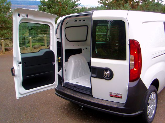 2015 Ram ProMaster City cargo door