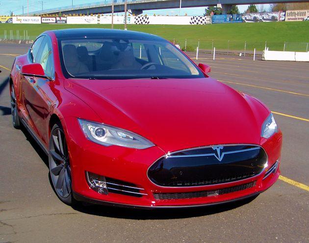 2015 Tesla S P85D front 2