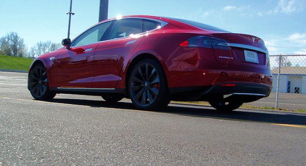 2015 Tesla S P85D rear q