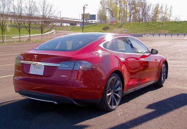 2015 Tesla S P85D rear
