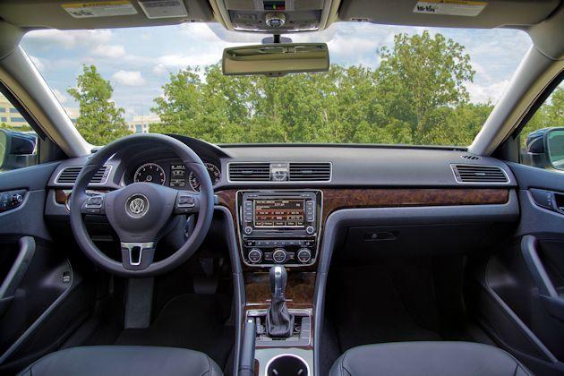2015 Volkswagen Passat dash