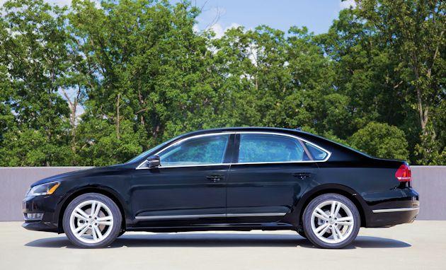 2015 Volkswagen Passat side