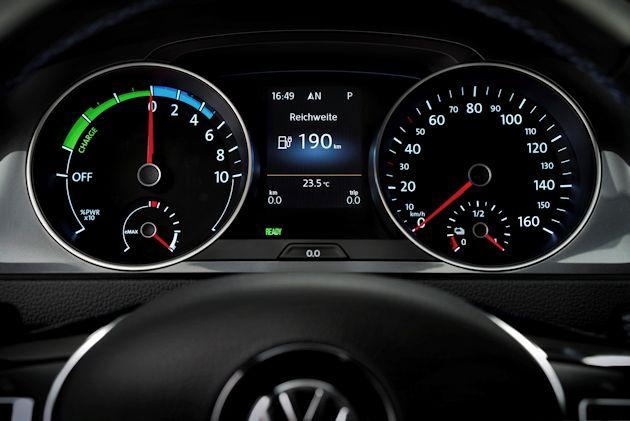 2015 Volkswagen eGolf IP