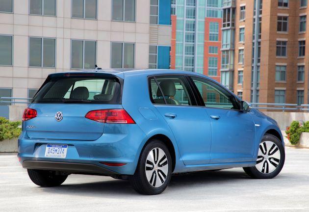 2015 Volkswagen eGolf rear q