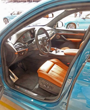 BMW-X6M-Int
