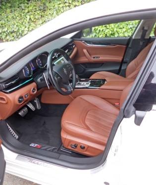 Maserati-Quattroporte-GTS-Int