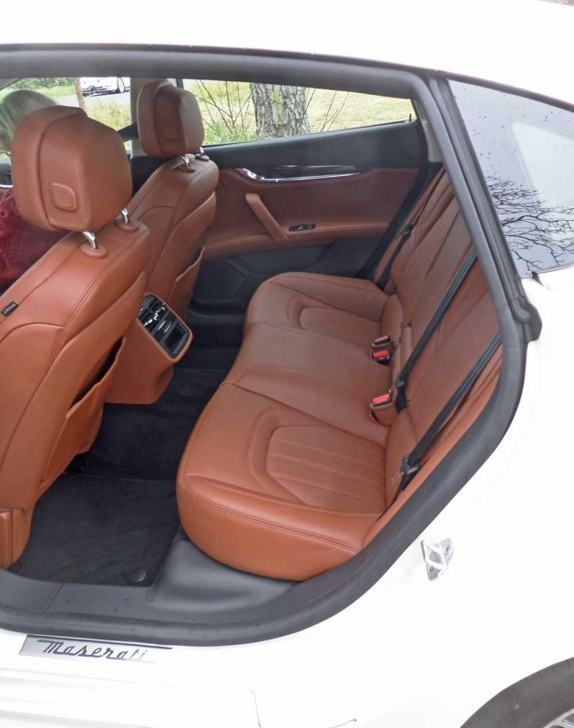 Maserati-Quattroporte-GTS-RInt
