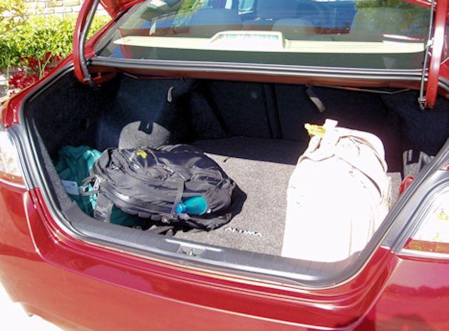 2015 Nissan Altima cargo