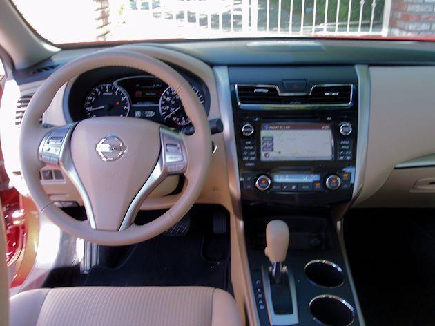 2015 Nissan Altima dash 2