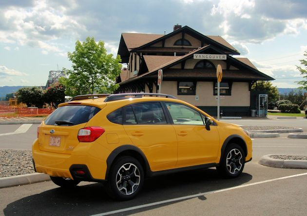 2015 Subaru XV CrossTrek rear q