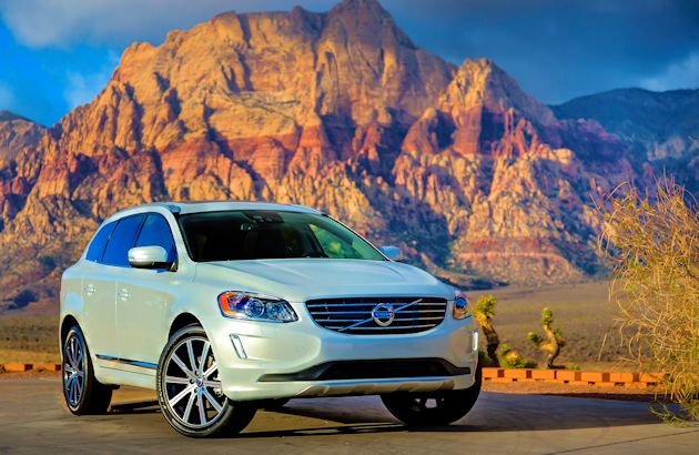 2015 Volvo XC60 T6 AWD front q 4
