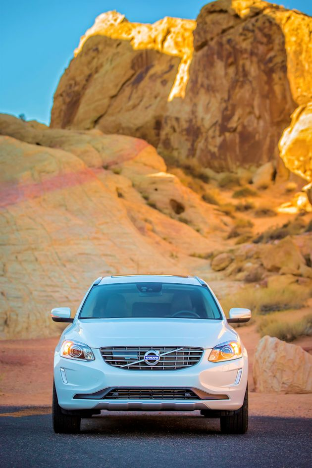 2015 Volvo XC60 T6 AWD front