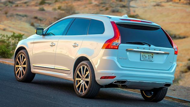 2015 Volvo XC60 T6 AWD rear2