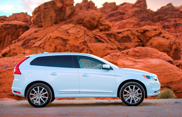 2015 Volvo XC60 T6 AWD side
