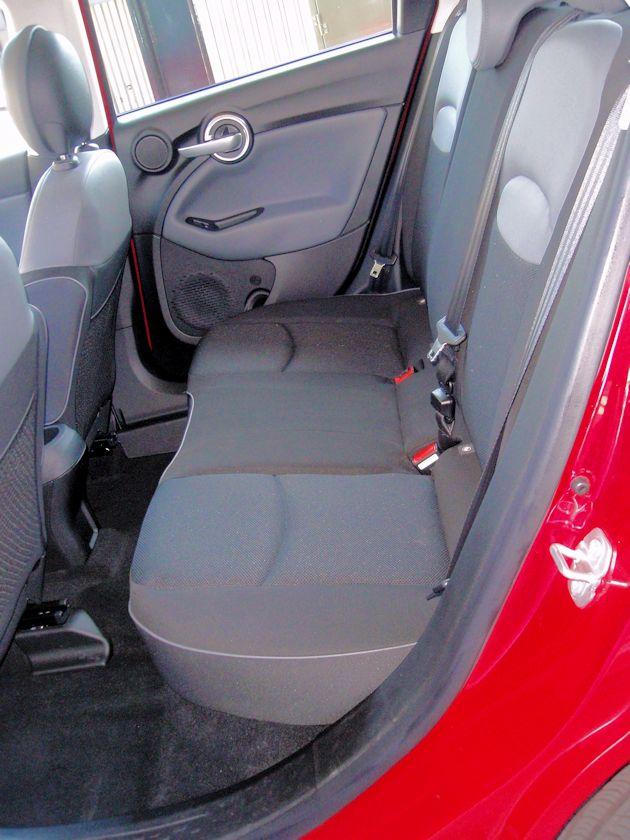 2016 Fiat 500X rear seat