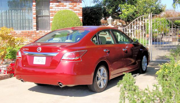 2770 Nissan Altima rear