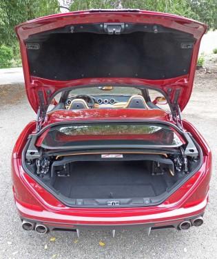 Ferrari-Calif-T-Trnk