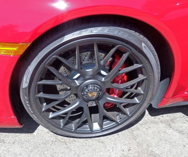 Porsche 911 Carrera GTS Whl