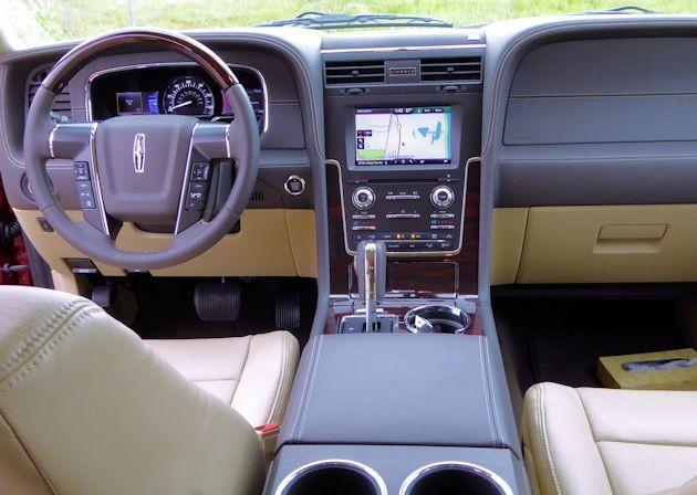 2015 Lincoln Navigator dash