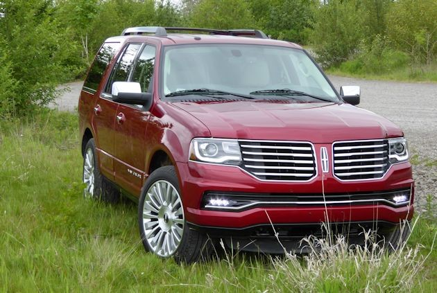 2015 Lincoln Navigator front 2