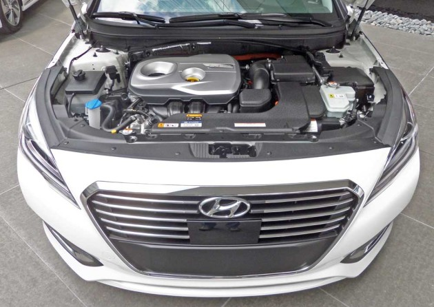 Hyundai-Sonata-Hybrid-Eng