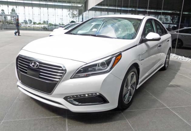 Hyundai-Sonata-Hybrid-LSF