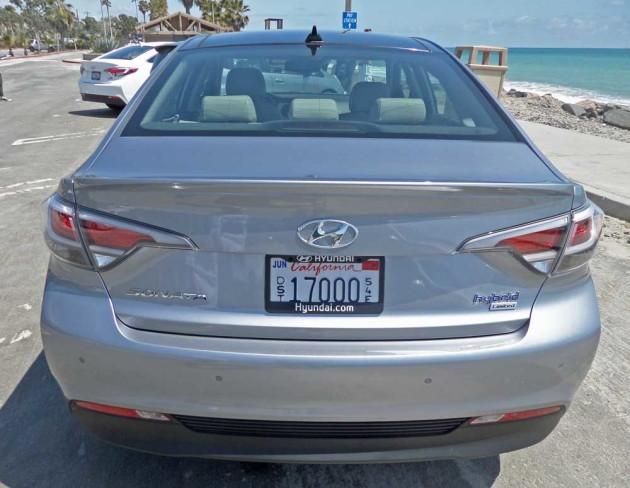Hyundai-Sonata-Hybrid-PI-Tail