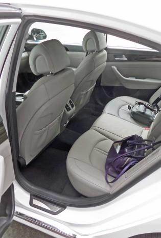 Hyundai-Sonata-Hybrid-RInt
