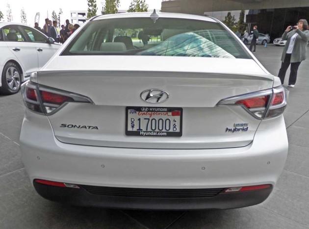 Hyundai-Sonata-Hybrid-Tail