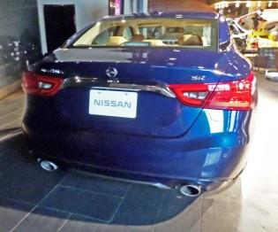 Nissan-Maxima-Tail