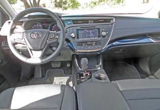 Toyota-Avalon-XLE-Trg-Spt-Dsh