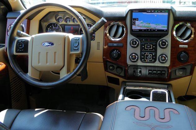 2015 Ford F-350 dash